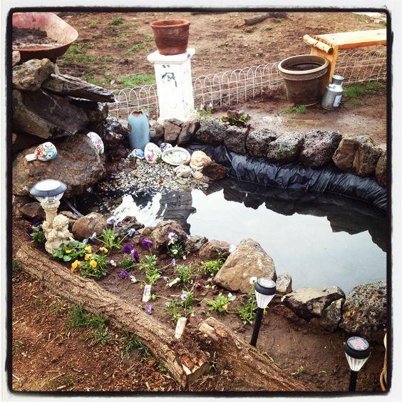 Easy to do backyard fountain pond diy garden for Simple backyard ponds
