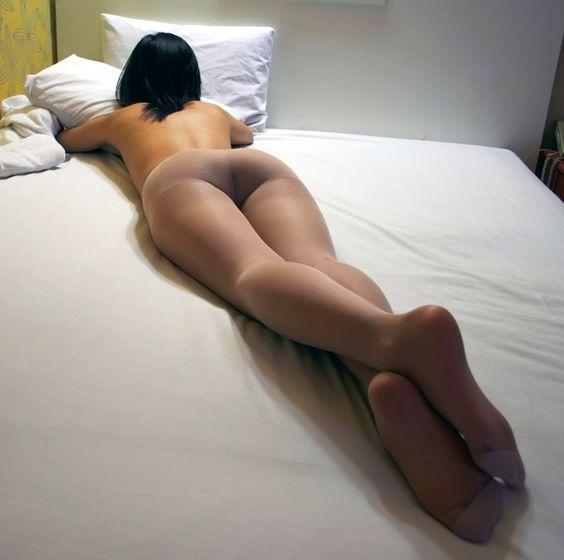 Pure Pantyhose • Visit Pantyhose-N-Nylons Stocking Sensation...