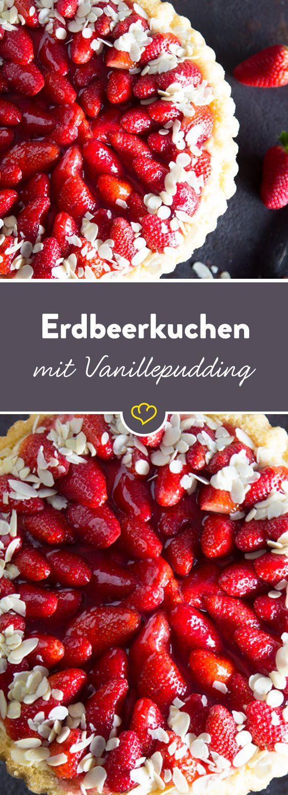 Weil mit Pudding alles besser schmeckt, weil Erdbeeren und Vanille ein Traumpaar sind und weil wir es einfach können, streichen wir eine ordentliche Portion köstlich cremigen Vanillepudding auf unseren Biskuitboden.