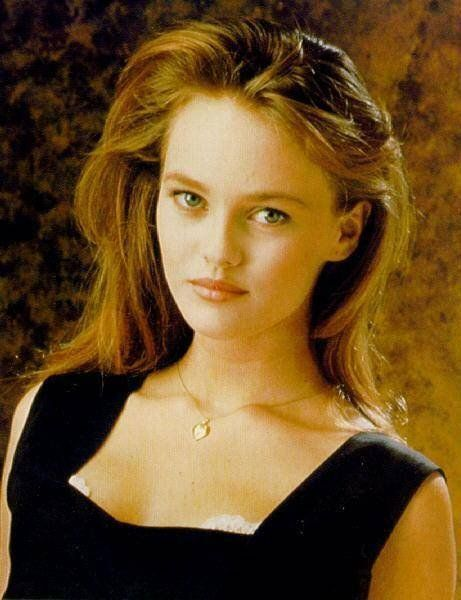 This is more what I imagine the young starlet of my story, the rapacious but youthful Violette Viannet to look like. Played here by a young Vanessa Paradis.
