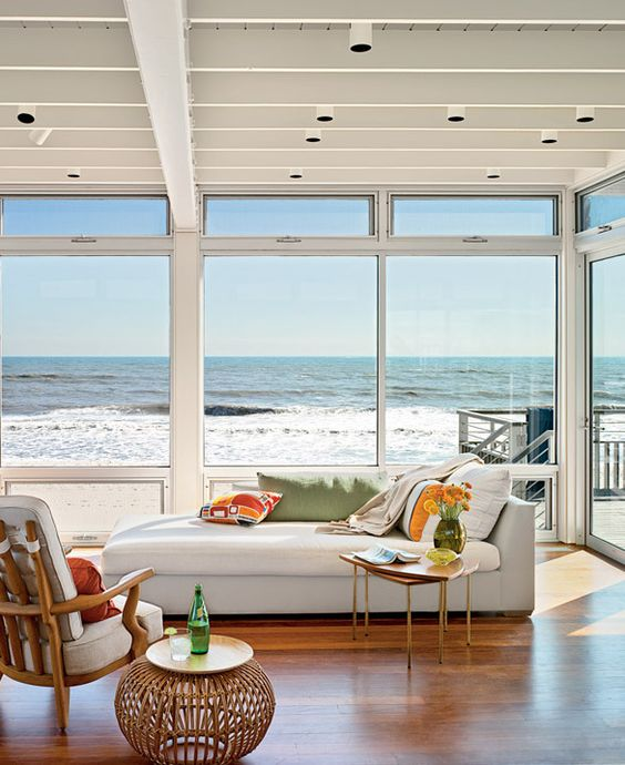 My dream beach house  CHIC COASTAL LIVING: Long Island Sound Beach House