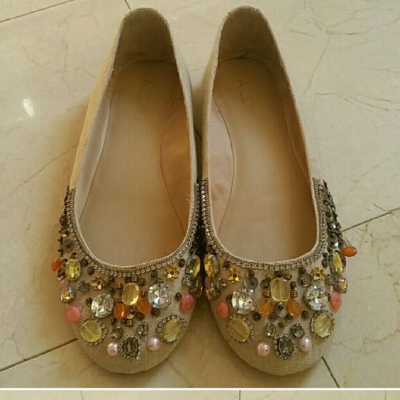 Tan ALDO flats size 8 Great condition ALDO Shoes Flats & Loafers