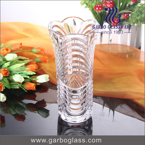 high quality machine pressed glass vase for house usage