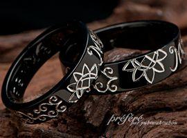 ひまわりのお花モチーフは、結婚指輪(マリッジリング)としてブラックリングでオーダーメイドでおつくりしました。