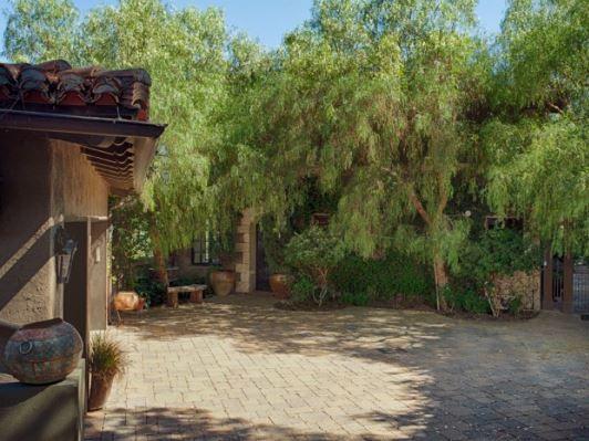 Mischa Barton Beverly Hills house is in default