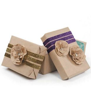 Ribbon & Rosette Gift Wrap