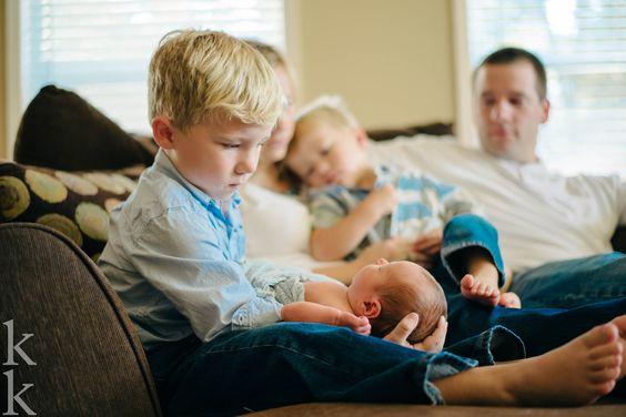 http://www.kylekelleyphotography.com/blog/2015/10/13/baby-hank-at-home-newborn-session