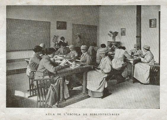 Resultado de imaxes para escola de bibliotecaries de catalunya