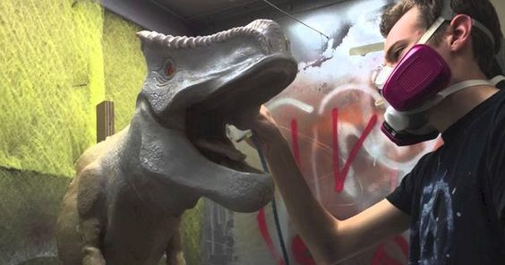 Making of the D-Rex - Making of the D-Rex Animatronic --- #Theaterkompass…