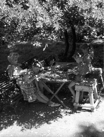 DOISNEAU Robert, Correspondance à Joyeuse, photographie, 1954