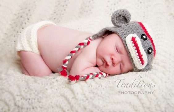 Free Knitting Patterns For Socks Using Worsted Weight Yarn : Free Sock Monkey crochet baby hat pattern! Must make using G Crochet hook and...