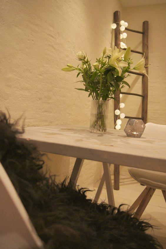 Diy: spisebord med brede planker i drivtømmer look http ...