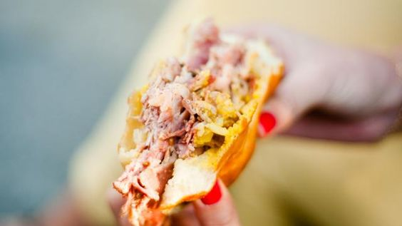 Les 15 sandwiches les plus ÉPIQUES de Montréal | NIGHTLIFE.CA