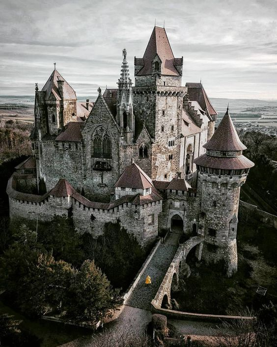 Kreuzenstein Austria Castle Beautiful Castles Fantasy Castle