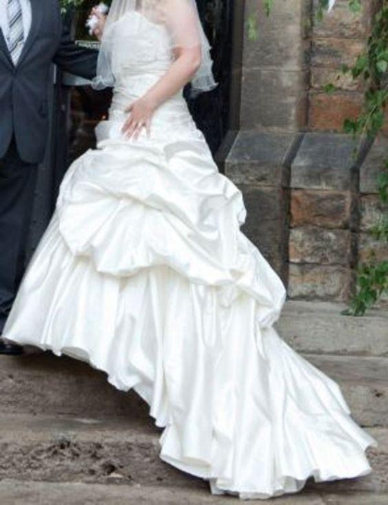♥ Brautkleid A-Linie Gr. 40 / 42 kaschiert unglaublich gut mit Reifrock ♥  Ansehen: http://www.brautboerse.de/brautkleid-verkaufen/brautkleid-a-linie-gr-40-42-kaschiert-unglaublich-gut-mit-reifrock/   #Brautkleider #Hochzeit #Wedding