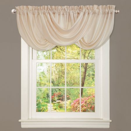 Lucia Valance  Lucia has hand constructed dramatic draping of a sof...