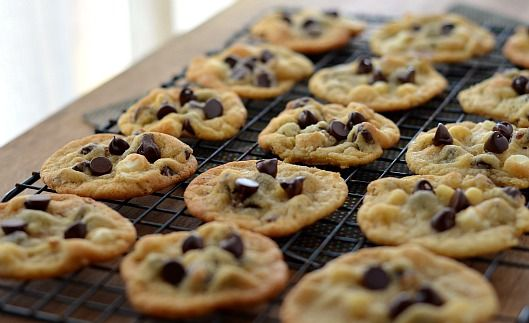 """The """"New and Improved"""" Chocolate Chip Cookie"""