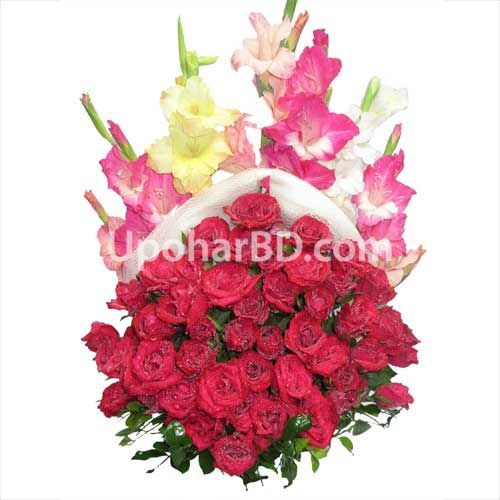 Red Rose With Gladiolus How About Sending A Beautiful Flower Bouquet To Your Loved Ones O Beautiful Bouquet Of Flowers Fresh Flower Bouquets Gladiolus Flower