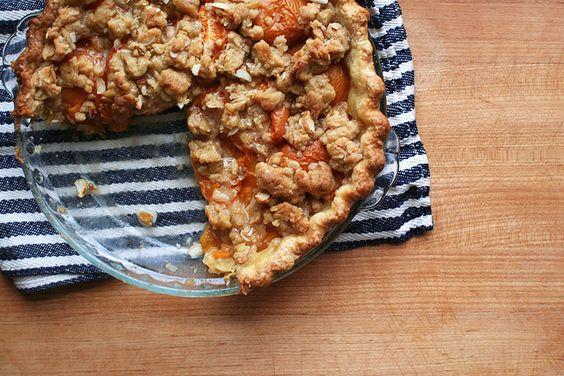 apricot crumble pie
