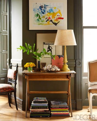 Luz + planta + coleção + livros + arte