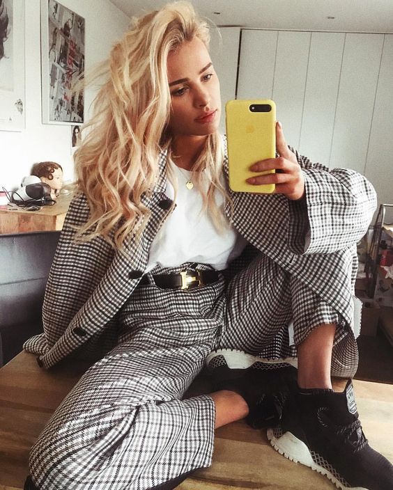 "55.5 тыс. отметок «Нравится», 311 комментариев — Julia K. (@maffashion_official) в Instagram: «#adidas #hermes #emporioarmani #streetlook #ootd ""co dwie głowy to nie jedna"" »"