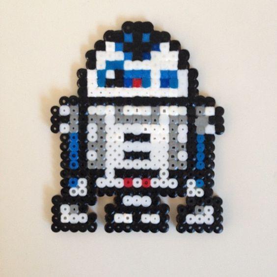 Star Wars R2D2 hama beads by jonb1966
