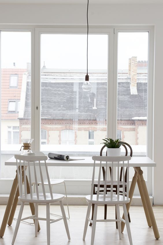 White and wood tints in a Berlin home - cocolapinedesign.com: