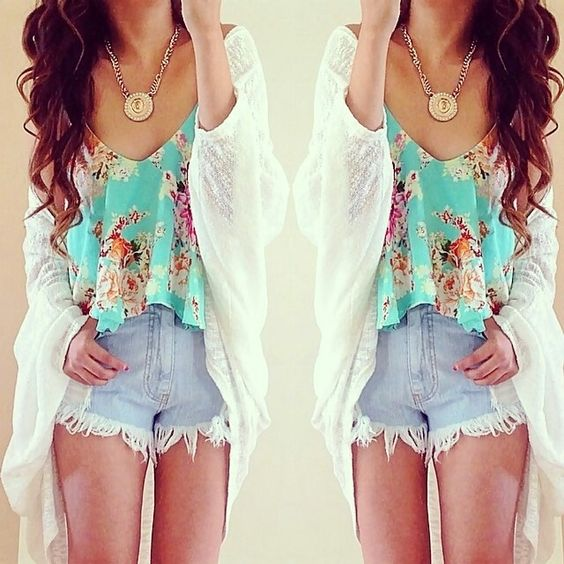 This is such a pretty outfit, I love the top - it's a really nice colour and pattern