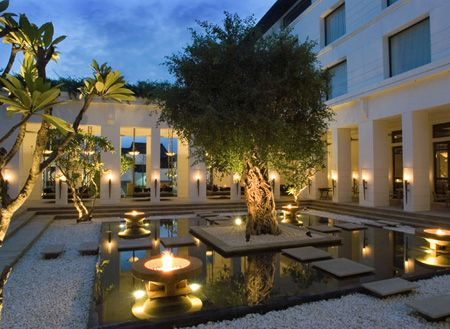 Hotel de la Paix Cambodia