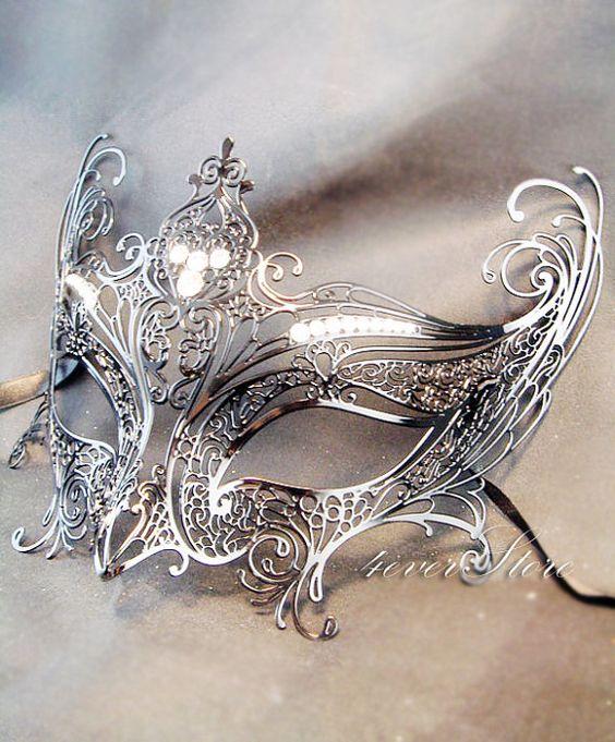 [EVENT St-Valentin 1992] Le bal masqué 96c5b635dd407da6aaec74f8a176e8e3