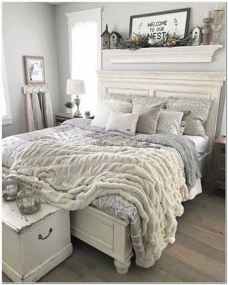 20 Inexpensive Farmhouse Style Ideas For Bedroom Decorating Decorurge In 2020 Chic Master Bedroom Shabby Chic Master Bedroom Bedroom Makeover