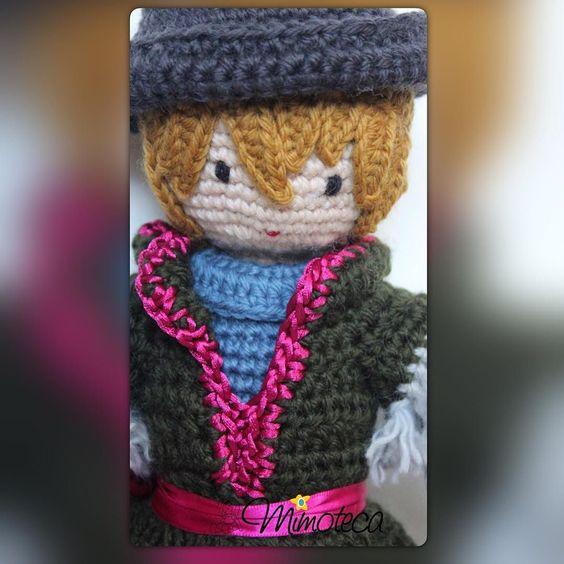 Nasceu mais um príncipe  Kristoff é o nome dele! Alguém conhece? #frozem #kristoff  #mimoteca #emoçãoemarte #feitocomamor =============================== #amigurumi #designercrochet #boneca #festainfantil #decor #bonecadecrochet #mimos #presentes #props #feitoamao #personalizados #partykids #casamento #maternidade #crochet #handmade #instapartybloggers Contato e orçamento:  Site: www.mimoteca.com.br e-mail: mariana@mimoteca.com.br Face: MarianaTorresFreire by marianamimoteca
