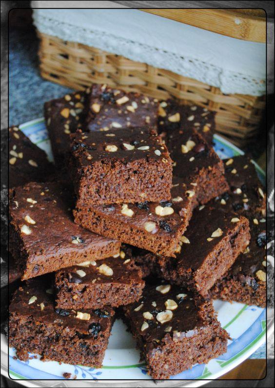 Brownies, vegan & zuckerfei mit Kichererbsenmehl