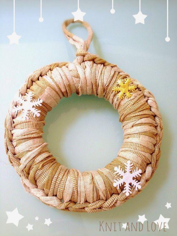 Knit and Love: CORONA DE NAVIDAD DE TRAPILLO