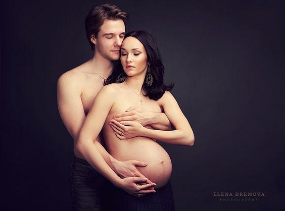 Fotografía de Embarazada con su pareja (semi desnudo)