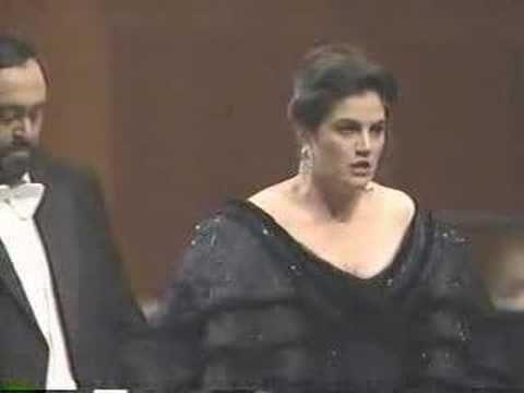 Luciano Pavarotti - Kallen Esperian - Otello act III duet