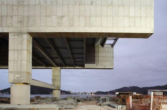 Cais das Artes – Paulo Mendes da Rocha e Metro Arquitetos (Foto: Leonardo Finotti)