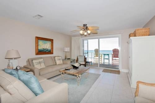 Crystal Dunes by Panhandle Getaways Destin (Florida) Set 700 metres from Emerald Coast Centre in Destin, this apartment features a balcony with sea views. This apartment offers an outdoor pool and free WiFi. Free private parking is available on site.