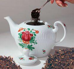 Die Traditionelle ostfriesische Teezeremonie - http://www.thiele-tee.de/tee-fuer-alle/die-zubereitung-von-ostfriesentee.html