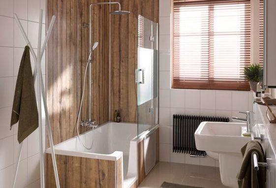 Douchebad als voorbeeld in een kleine badkamer