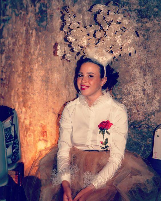 Giochiamo con l'originalità e la leggerezza... foglie trasparenti per questa acconciatura per il vestito @oxanafashion !!! Foto di Backstage.  #cappello #cappelli #hat #instalike #instafun #instalife #fashion #womenfashion #madeinitaly #livorno #madeinitaly #moda #modadonna #fascinator #artigianato #modisteria #modella #modelle #fashionphoto #accessori #stile #style #l4l #concorso #modella #modelle #bellezza #model #girl