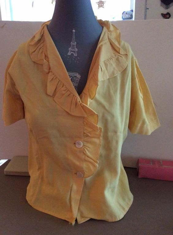 Vintage 1940s Blouse Light Yellow Mother Of Pearl Buttons Ruffle Collar by TimelessTreasuresVCB on Etsy