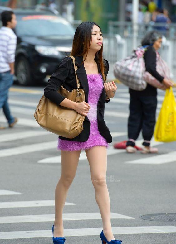 【新提醒】深圳街拍漂亮的肉丝妹子妹子_最新街拍合辑_3A街拍论坛 _尽在AAA街拍网!