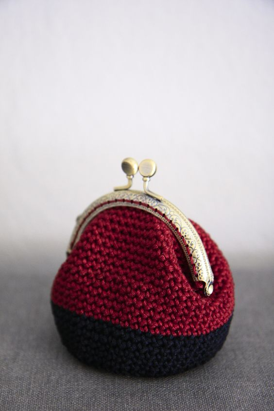 Crochet Quarter Keeper : Crochet coin purse, kiss lock coin purse, the Burgundy Keeper, in ...