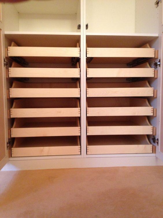 Schlafzimmerschrank, #Rahmentüren mit Rattanfüllung und ...