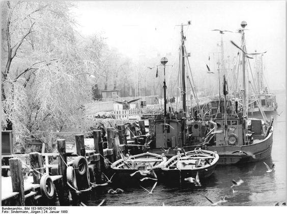 Rostock-Warnemünde, Alter Strom, Fischerboote ADN-ZB Sindermann 24.1.80