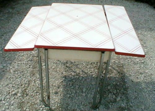 Vintage red white 1930s art deco hoosier enamel top for 1930 kitchen table