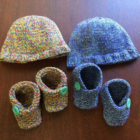Super Easy Knitting Patterns For Beginners : Baby hats, Hats and Knit baby booties on Pinterest
