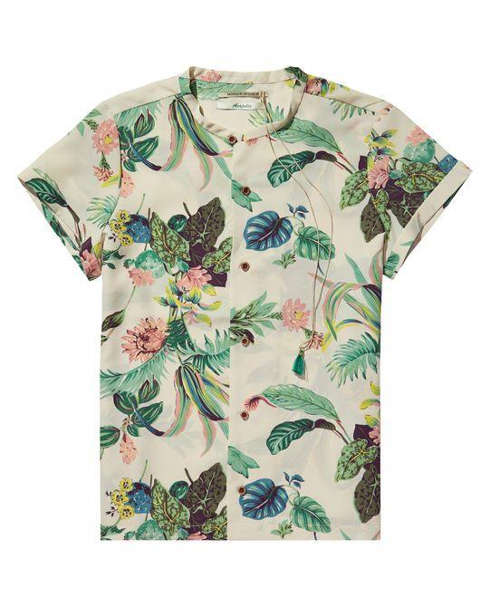 Mimic the tropical holiday feel with this feminine shirt. http://webstore-all.scotch-soda.com/women/shirts/botanical-print-shirt/14210221725.html?dwvar_14210221725_color=combo%20A#start=36&cgid=25
