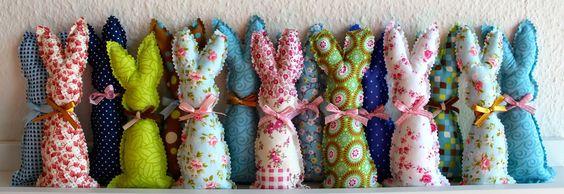 """Un petit lapin parfumé pour Pâques!!!! Pour neutraliser les odeurs et redonner aux vêtements une bonne odeur de frais? Rien de plus simple que """"le petit lapin parfumé"""", fraîcheur armoire.:"""